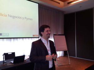 Nuestro socio Cdor. Diego Cutignola dando una charla sobre impuestos